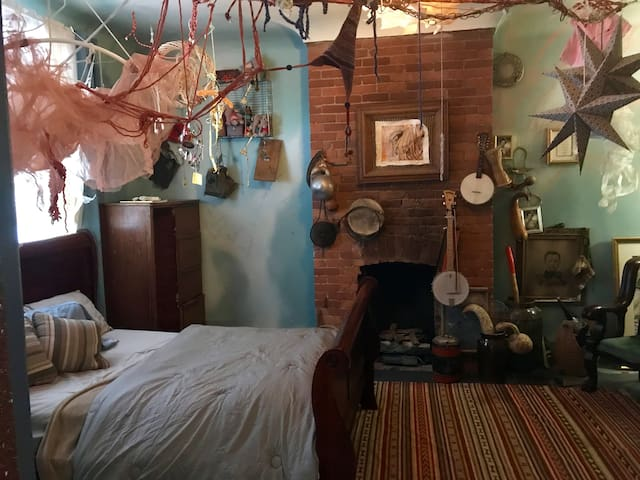 BoHo Artist's Retreat Bedroom