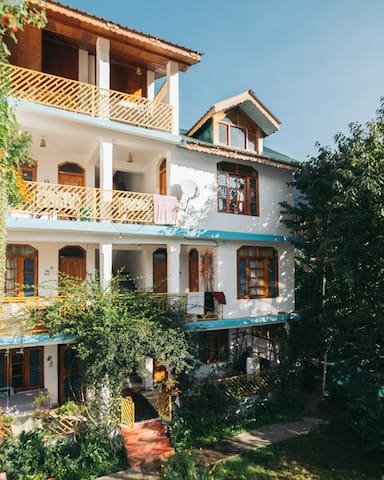 Dormitory/ Hostel in a quaint space in Manali