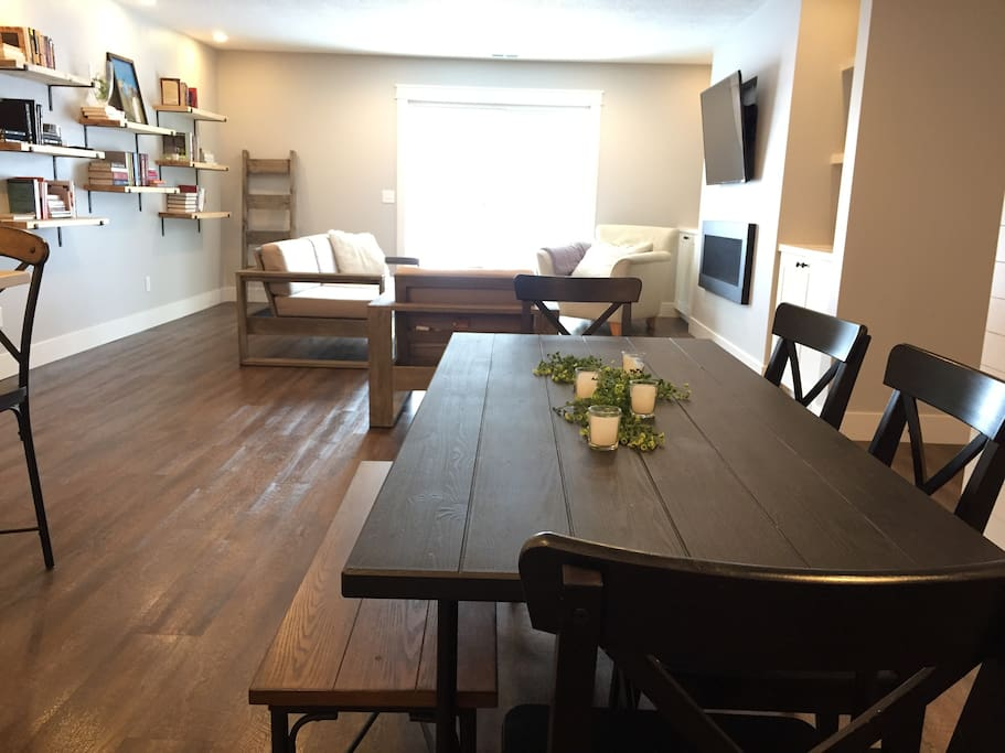 Open Layout & Dining Table
