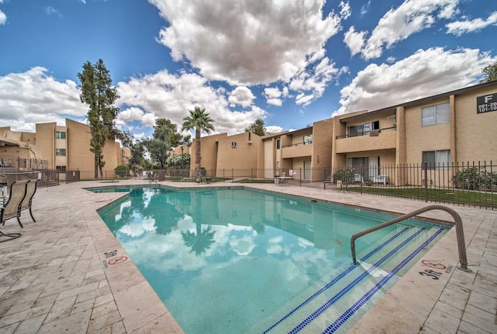 Located at Woodland Springs, this property boasts access to a community pool.