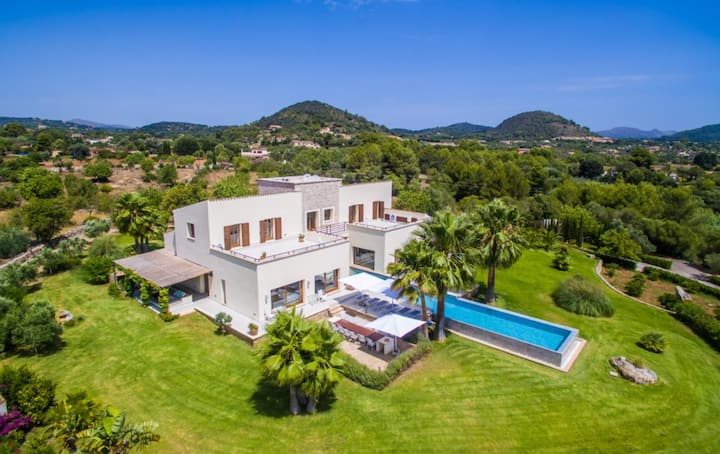 "Luxurious ""Villa Son Sard"" with Sea & Mountain View, Pool, A/C, Wi-Fi, Balcony, Garden & Terrace; Parking Available"