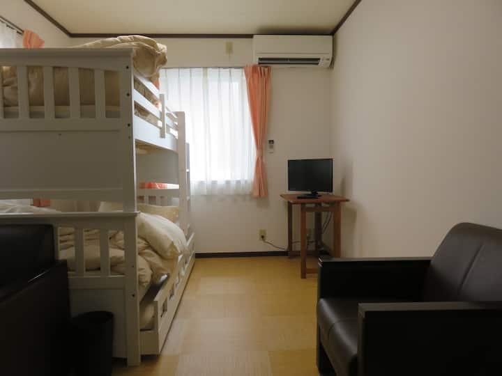 三社町ゲストハウス 梅 ume-room