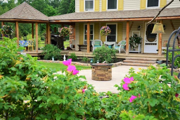 "Adirondack ""Trout Pond Retreat"" breathtaking views"