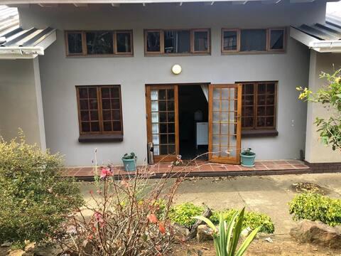 Flat Kyla - Family cottage in safe secure garden
