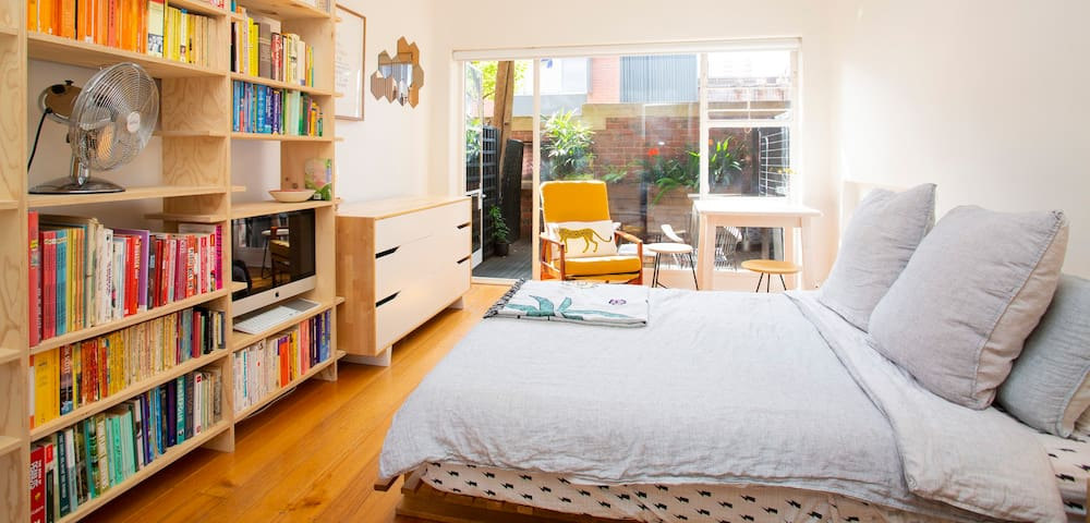 Charming heritage apartment close to CBD