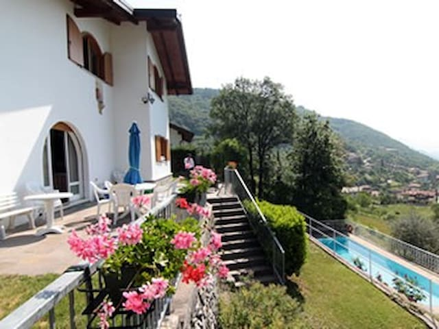 Luxus-Villa with  swimmingpool - Tenno - House