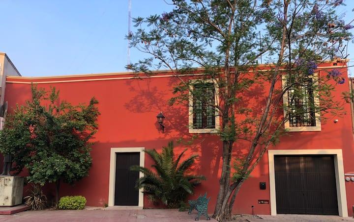 Casa República en el  Barrio de Jalatlaco, Centro