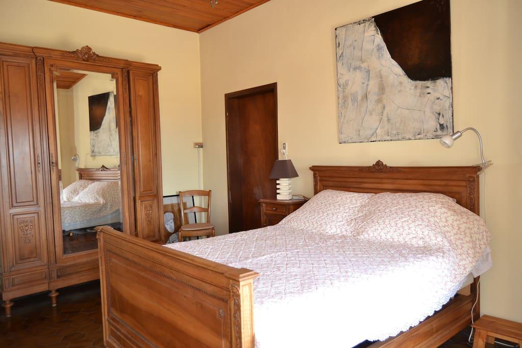 La chambre, au 1er étage (1)