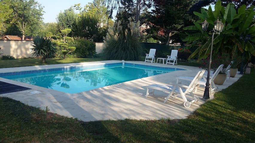 maison de 125m2 avec piscine non chauffée - Beauregard - Haus
