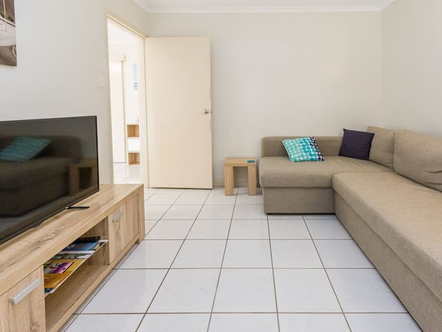 Comfy and Cosy ground floor unit