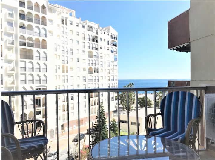 Cómodo y luminoso apartamento, con vistas al mar