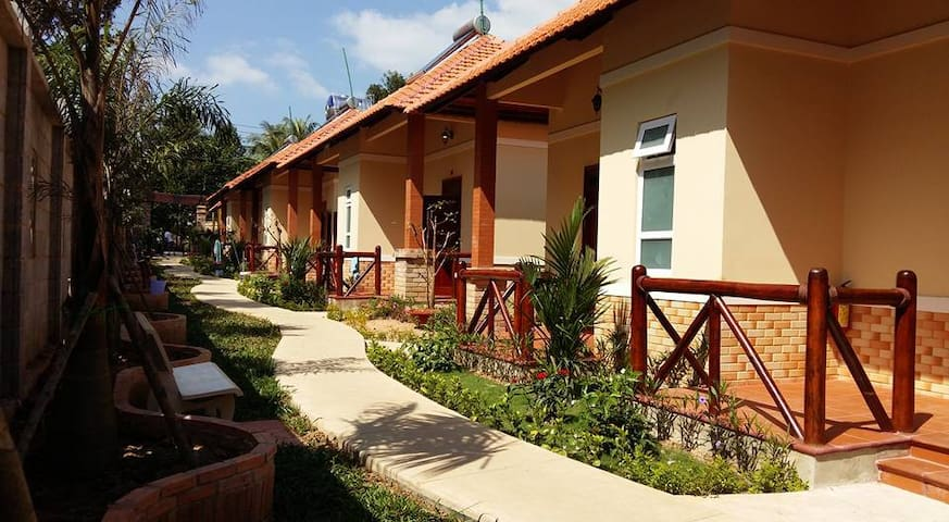 One-bedroom Bungalow Near Beach - tp. Phú Quốc - Rumah