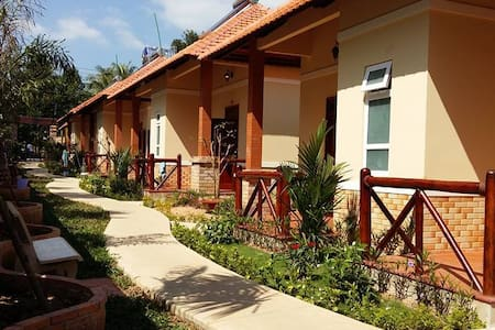 One-bedroom Bungalow Near Beach - tp. Phú Quốc - House