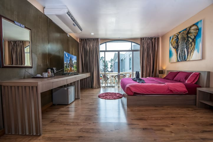 ★ Suite Opposite Beach with Balcony | City Center