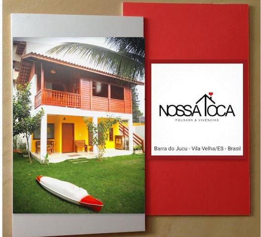 Nossa Toca (casa amarela) na Barra do Jucu/ES