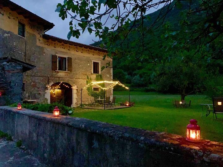 Cervano: countryhouse 6 persons, lake garda