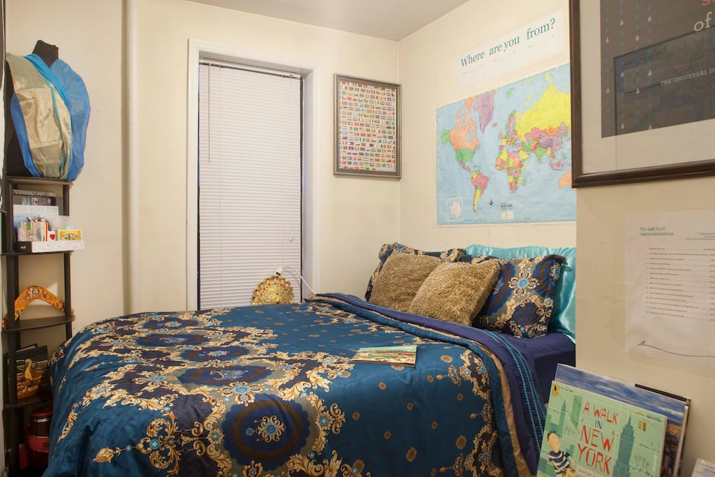 Small room with Queen bed that accommodates 2 adults. Room comes with air conditioner in the summer and heat in the winter. Large floor mirror for your convenience and a small closet that can fit at least 2 large suitcases.