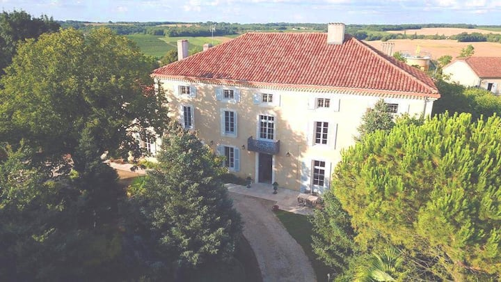 Castel Pierre - 4 * luxury retreat with pool