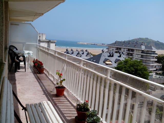 SOLEADO APARTAMENTO JUNTO A LA PLAYA - Laredo - Appartement