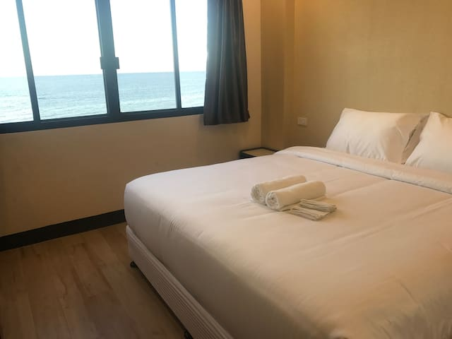 Babylon Seaview - King Room