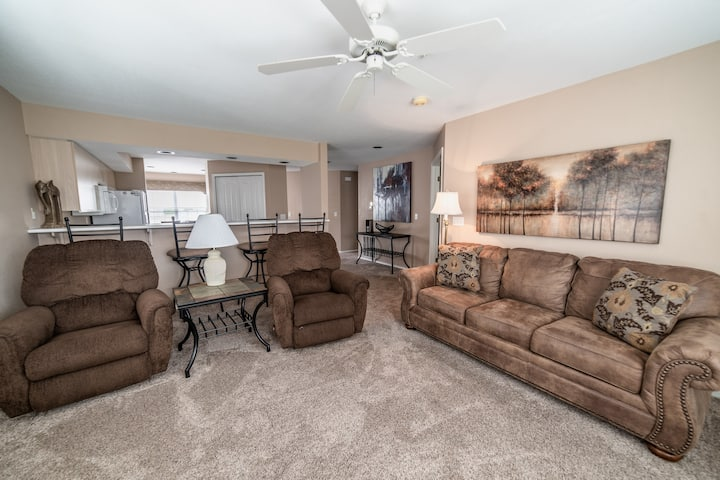 Beautiful Course View! 2 King Bed, 2 Bath Golf Condo