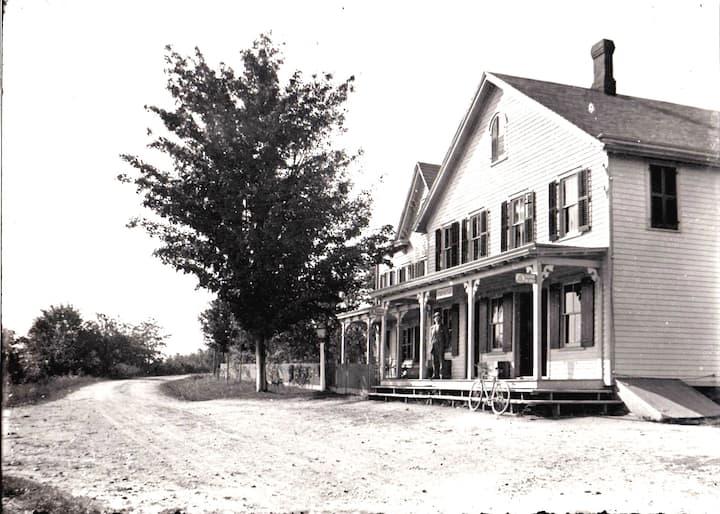 The Historic Vreeland Store: Relda Suite