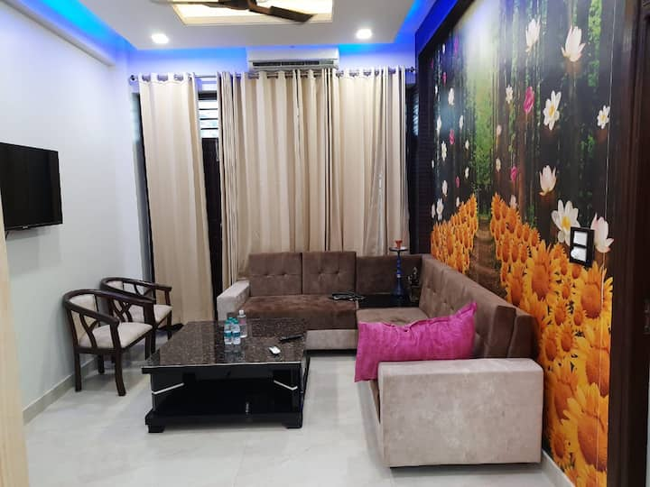 3bhk fully furnished flat with modular kitchen.