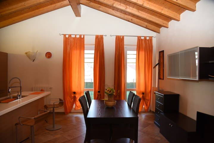 Rooms near University/Hospital with bathroom - Varese - Inap sarapan