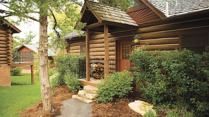Big Cedar Wilderness Club, 2 Bedroom Cabin