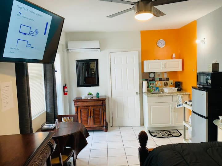 Great Little Private Studio Near Beaches and FLL!