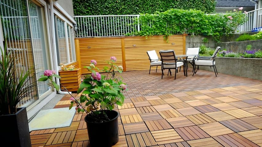 Special! Large Lux 2Br Own Patio Nr DT近市中心精品2室自带花园