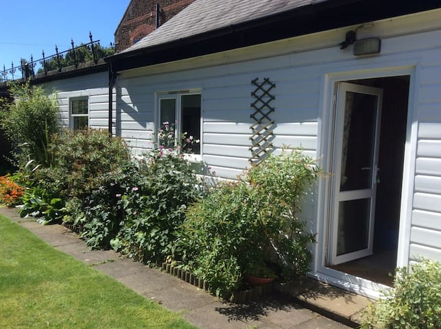 Lovely cottage for 6 near sea - Heacham - Lägenhet