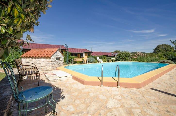Country Club Bungalows with pool (BGW4) - Rovinjsko Selo - Apartmen