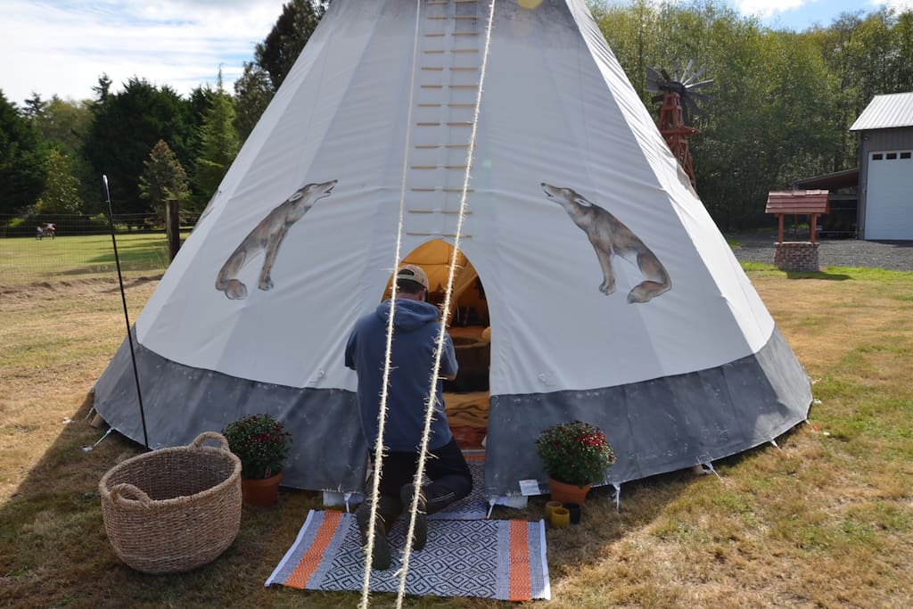 Getting the TIPI ready for a baby shower, 19 people