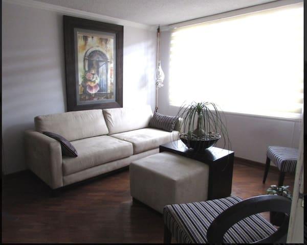 Quito norte Monteserrin comodo departamento