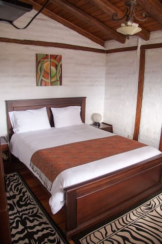 Comfy Double Room near the Airport
