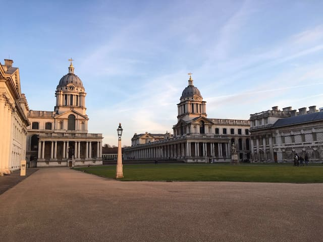 Double room + ensuite | Greenwich Lux Apartment