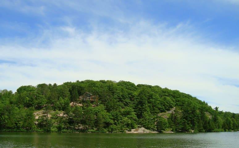 Desbarats Lake Viceroy Off-Grid Cottage