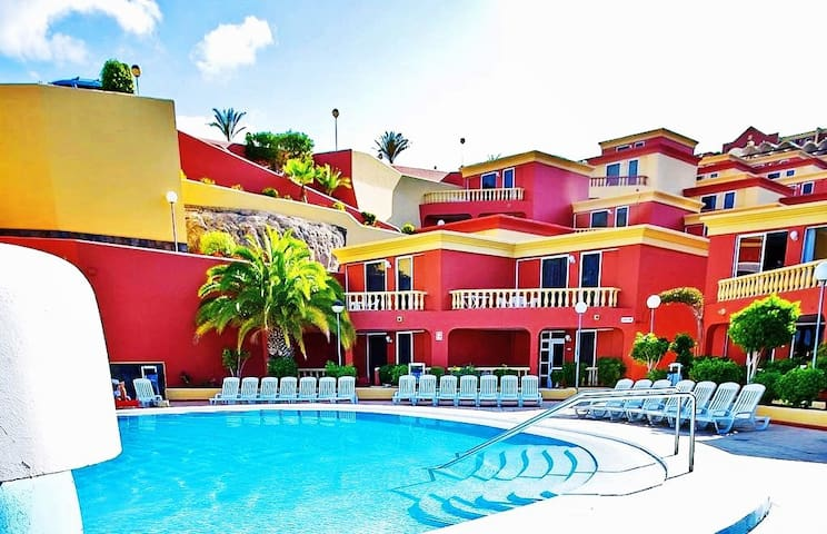 Apartment with marvellous swimming pool - Costa Adeje - Appartamento con trattamento alberghiero