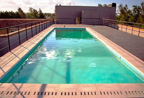 Dpto/piscina/cochera/gran parque. Home Office