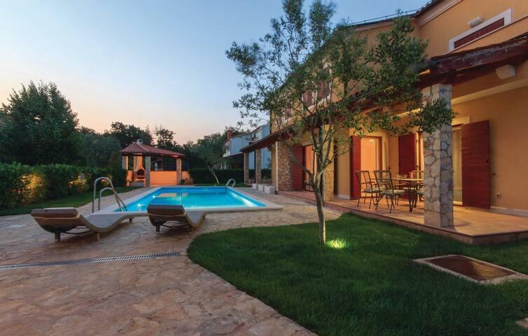 Apartment Oliva, Volme, Istria (2+2) ****