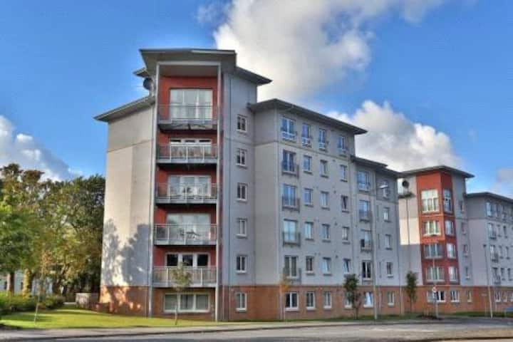 Aberdeen City 2 bed Apartment (close to ARI)