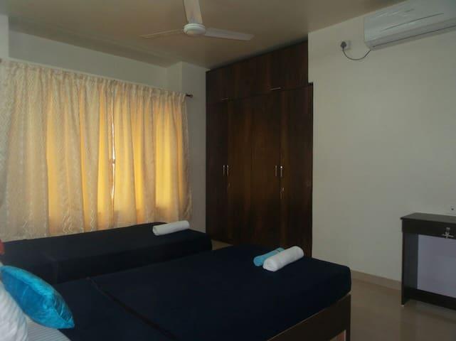 Homely Luxurious room  Mumbai Thane - Thane - Szoba reggelivel
