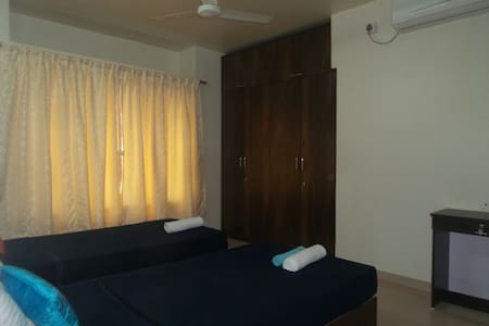 Homely Luxurious room  Mumbai Thane - Thane