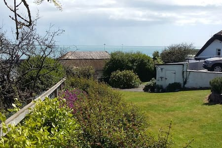 Traditional Thatched Cottage - Dunmore East