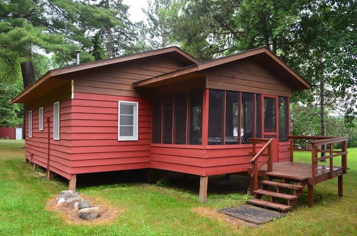 Cozy, Lakefront Cabin - Ely - Stuga