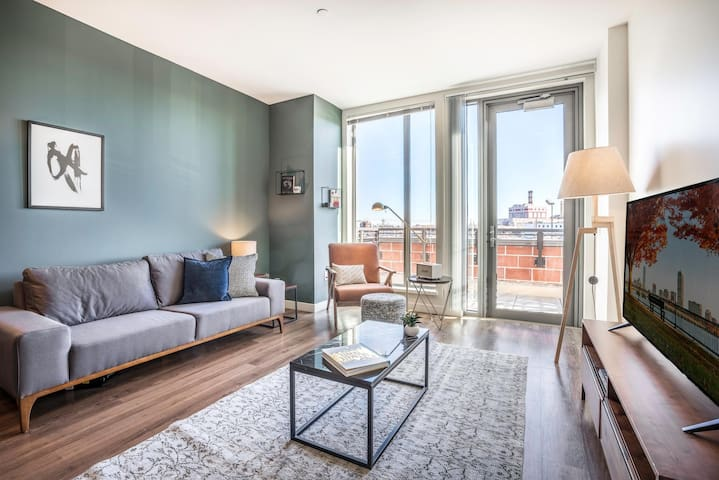 Trendy South Boston 1BR w/ Gym, W/D + Doorman, near Seaport by Blueground