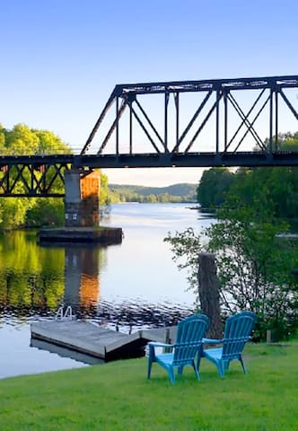 Waterfront Muskoka Algonquin Arrowhead 3Bdrm Home