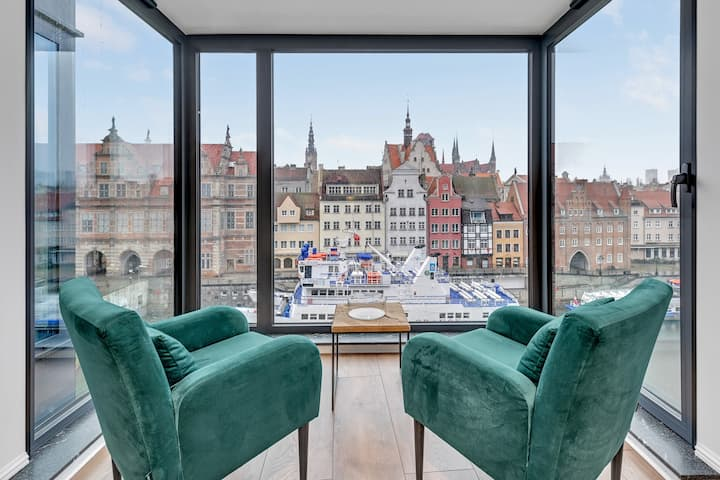Stunning View & Spa Apartment in the Old Town