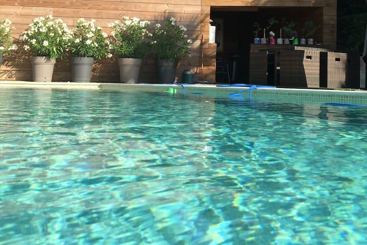 50 m2  Rez de Villa + piscine